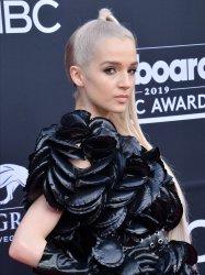 Poppy attends the 2019 Billboard Music Awards in Las Vegas