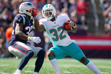 Dolphins Drake runs against Patriots McCourty