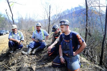 Four miners remain missing in West Virginia coal mine explosion
