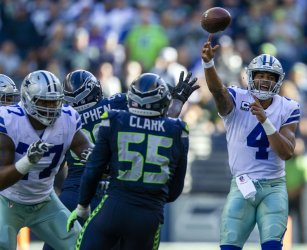 Seattle Seahawks beat the Dallas Cowboys 24-13 in Seattle