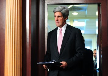 Sen. John McCain (R-AZ) and Sen. John Kerry (D-MA) speaks on Tunisia and Egypt in Washington