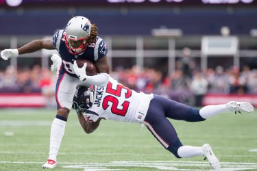 Patriots Patterson tackled by Texans Jackson
