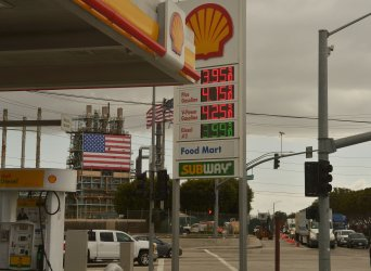Gas Prices on the Rise Across Southern California