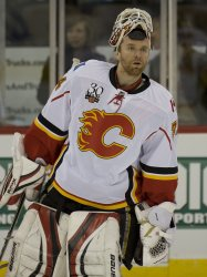 Flames Goalie Kiprusoff Skates in Denver