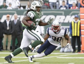 New York Jets Chris Ivory runs with the football