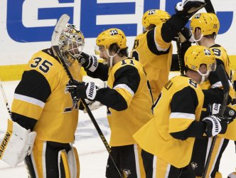 Penguins Celebrate 2-1 Win Tying Series One Game All