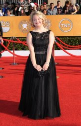 Actress Lauren Potter arrives at the 18th annual Screen Actors Guild Awards in Los Angeles