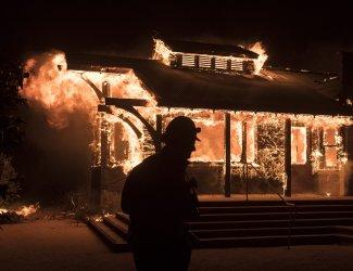 Soda Rock Winery burns in Healdsburg, California