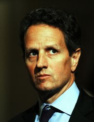 Geithner meets with Senate Democrats on debt ceiling crises in Washington