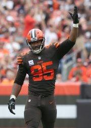 Browns Garrett celebrates sack on Ravens Flacco
