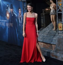 """Flora Ogilvy attends the """"Carnival Row"""" premiere in Los Angeles"""