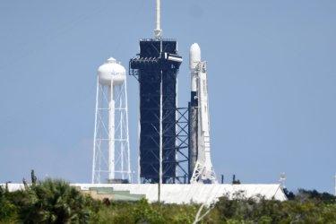 SpaceX Postpones Starlink Satellites