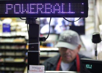 Powerball Prize Climbs to $900M