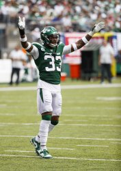 New York Jets Jamal Adams tries to pump the crowd up