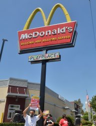 McDonald's Workers Protest Unsafe COVID Conditions in LA