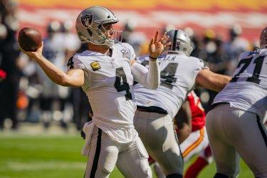 Raiders Derek Carr Throws a Pass