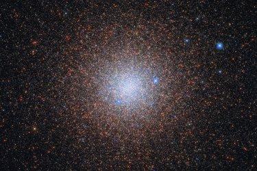Hubble Catches Cosmic Snowflakes