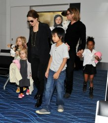 """Pitt and Jolie Leave Japan after """"Moneyball"""" Premiere"""