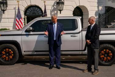 President Trump Tours the New Lordstown Endurance Electric Pickup Truck