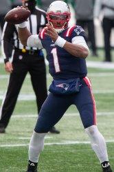 Patriots Newton pass against Jets