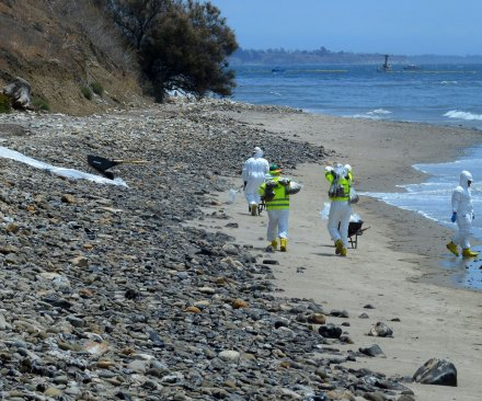 EPA issues clean-up order for California oil spill