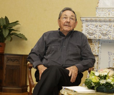 Raul Castro wants U.S. embargo lifted, Guantanamo returned