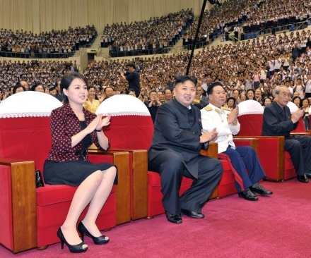 North Korean women embracing fashion of outside world, report says