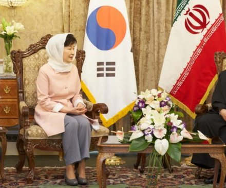 Iran's Rouhani: No nuclear weapons on Korean peninsula