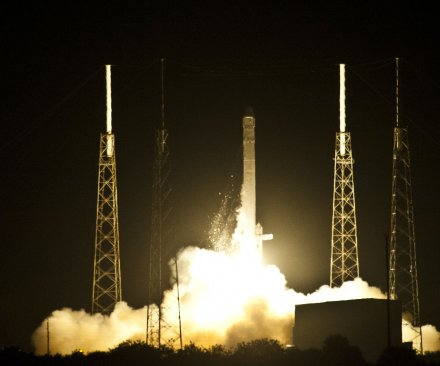 SpaceX to attempt landing a rocket on ocean platform