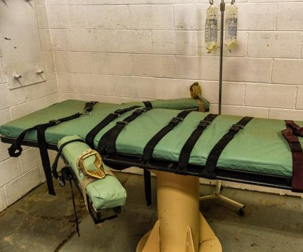 American Pharmacists Association discourages involvement in executions