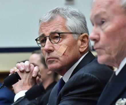 Defense Secretary Hagel steps down, pending replacement
