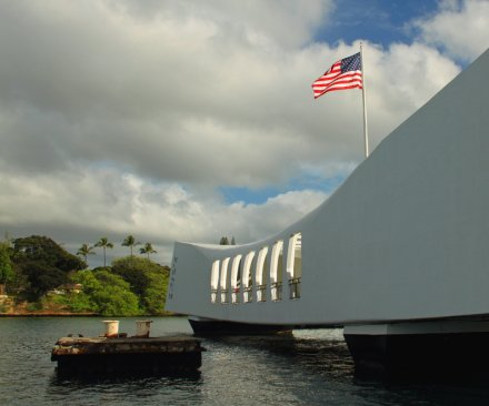 USS Arizona Memorial at Pearl Harbor closed after ship hits dock
