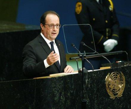 French President Francois Hollande calls for Calais 'Jungle' refugee camp closure