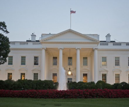 White House intruder had a knife