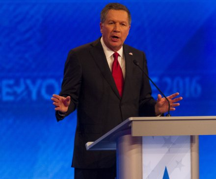 N.H. primary polls open: Kasich, Sanders get early leads