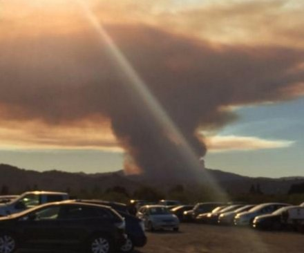Wildfire quickly growing near San Jose, hundreds evacuated