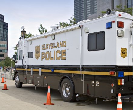 Cleveland police reach settlement with DOJ limiting excessive force