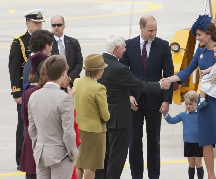 Canada warmly greets Britain's royal family