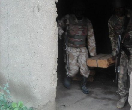 Nigerian troops rescue hostages