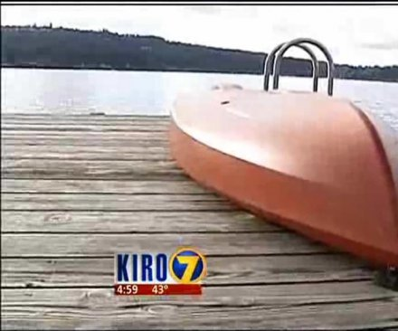 Police: Suspect fled in kayak with no paddle