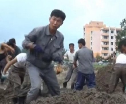 North Korea mobilizes workers to flood-affected areas