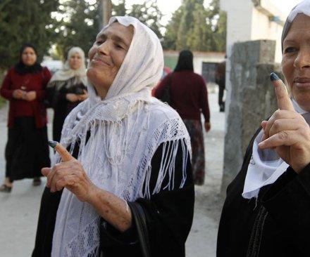 Tunisian democracy advocates win Nobel Peace Prize