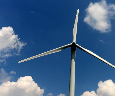 Hurricane helps U.K. wind power briefly overtake nuclear