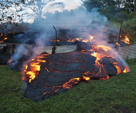 Hawaii lava update: 100 feet from home, National Guard deployed