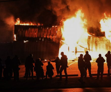Justice Dept.: Ferguson officer's actions not a 'prosecutable violation'