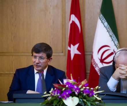 Turkish PM Davutoglu resigns over President Erdogan rift