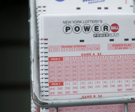 Powerball jackpot grows to $415M after no Wednesday winners