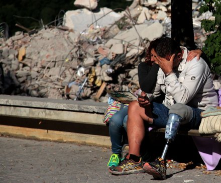 Italy earthquake: Death toll rises to 290, funeral proceedings begin