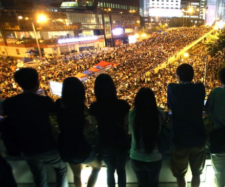 Hong Kong protest leaders and government at impasse in first face-to-face meeting