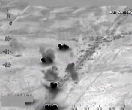 Iraqi, U.S. airstrikes destroy 500 Islamic State vehicles fleeing Fallujah